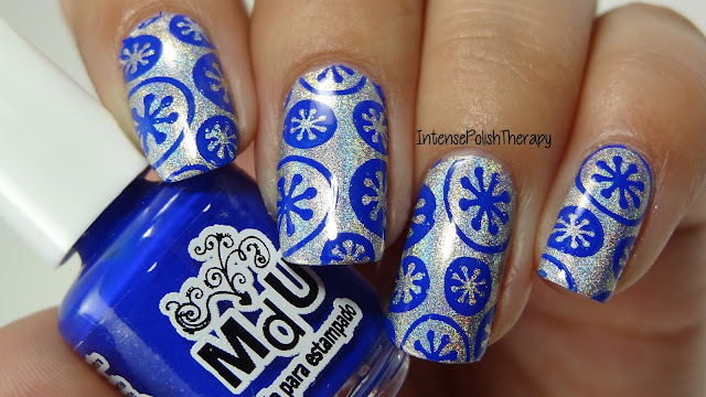 Silver & Blue Winter Manicures