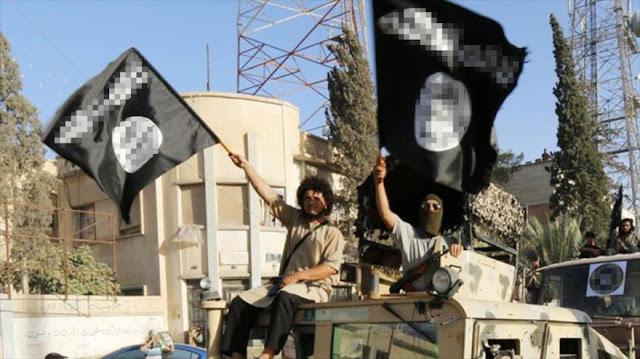 Un jefe y 200 terroristas de EIIL se rinden al Ejército afgano