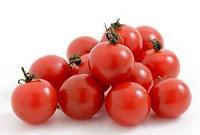 Cara Membuat Masker Alami Dari Buah Berdasar Jenis Kulit - tomat
