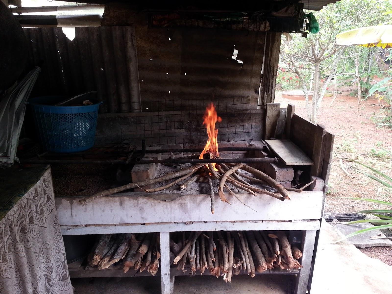 Ni La Bangsal Yang Ada Dapur Kayu Api Macam Best Giler Kan Kata Kat Bonot Nak Bakar Ikan Buat Style Daging Salai Masak Guna Haba Bukan