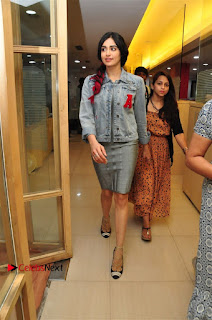 Vidyut Jamwal Adah Sharma Commando 2 Movie Team at Radio Mirchi 95  0006.jpg