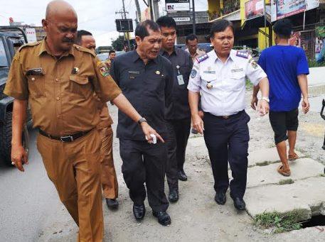 Bupati Karo Harapkan Pihak BPPJN dan PUPR Normalisasi Parit di Tiga Panah