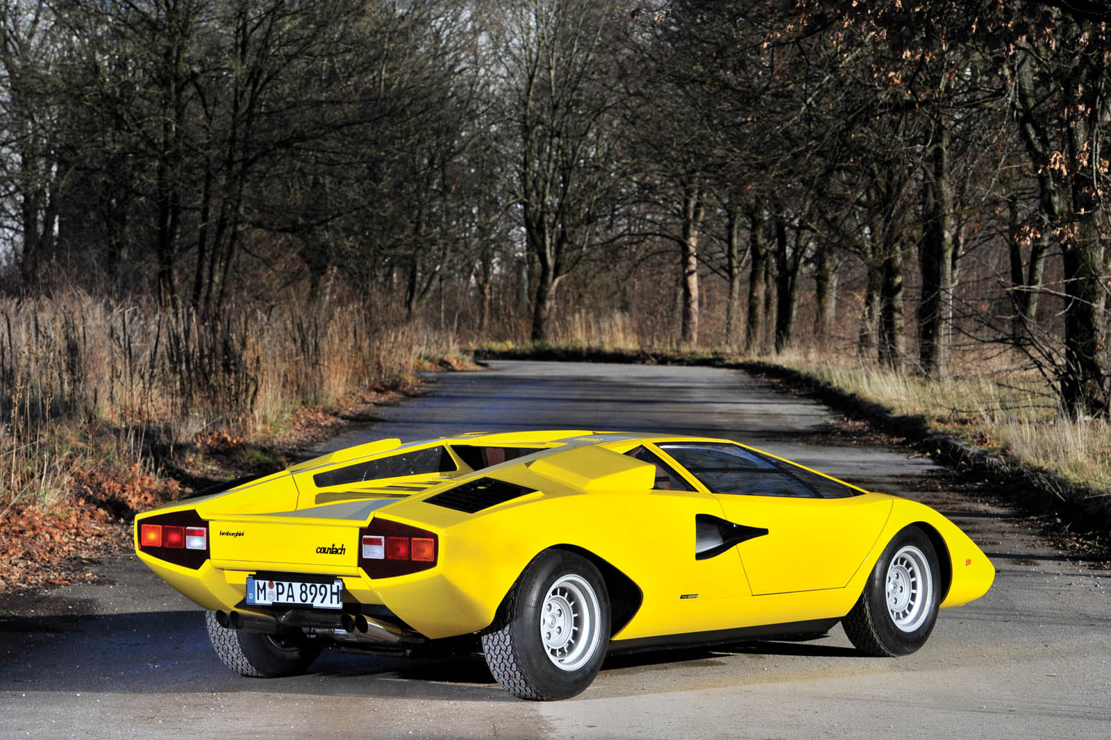 Which Countach Has Aged Better 1970s Original Or 80s