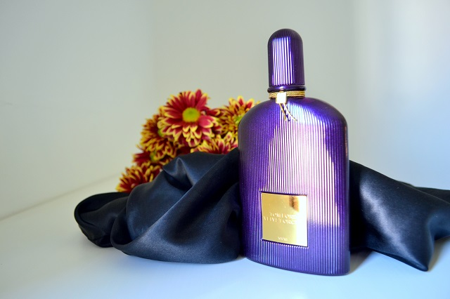profumi femminili per le sere d'estate; tom ford velvet orchid
