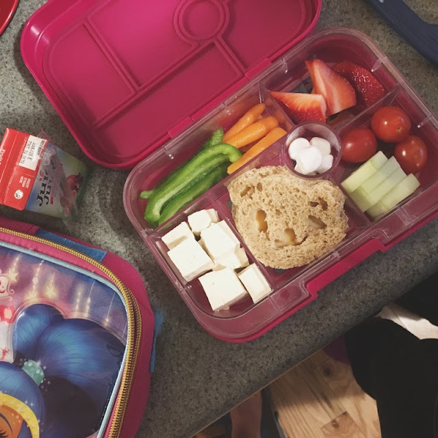 kid lunch - yumbox