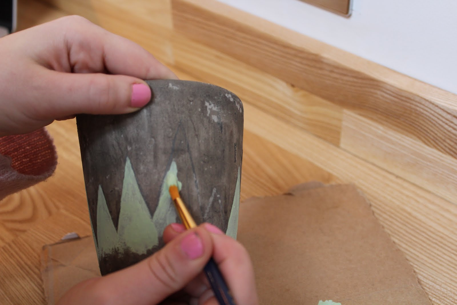 How to Paint a Plant Pot