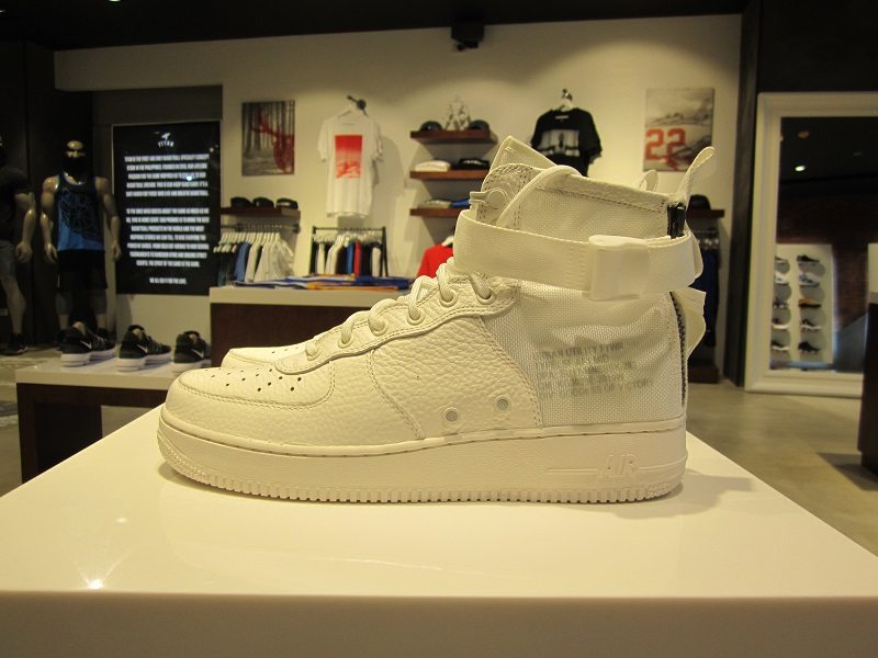 cheap for discount 20489 56f2b Nike SF Air Force 1 Mid | Analykix