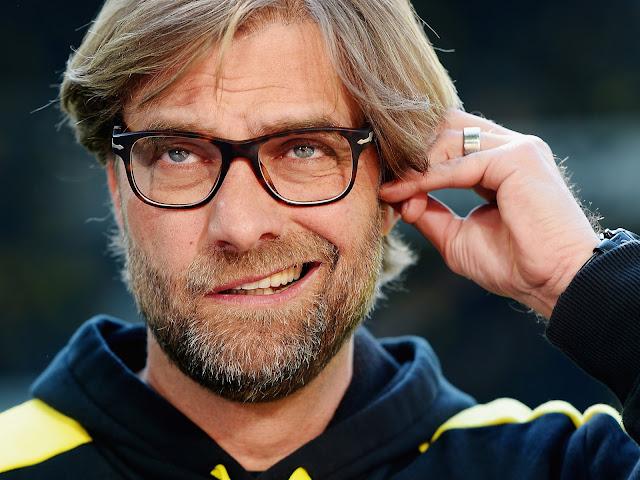Usai Liverpool Kalah Telak, Klopp Malah 'Berpesta' dan Bergaya Nyeleneh