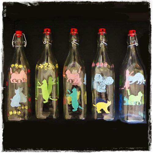 Studiamando liberamente Lavoretti per la mamma bottiglie decorate con gli stencil