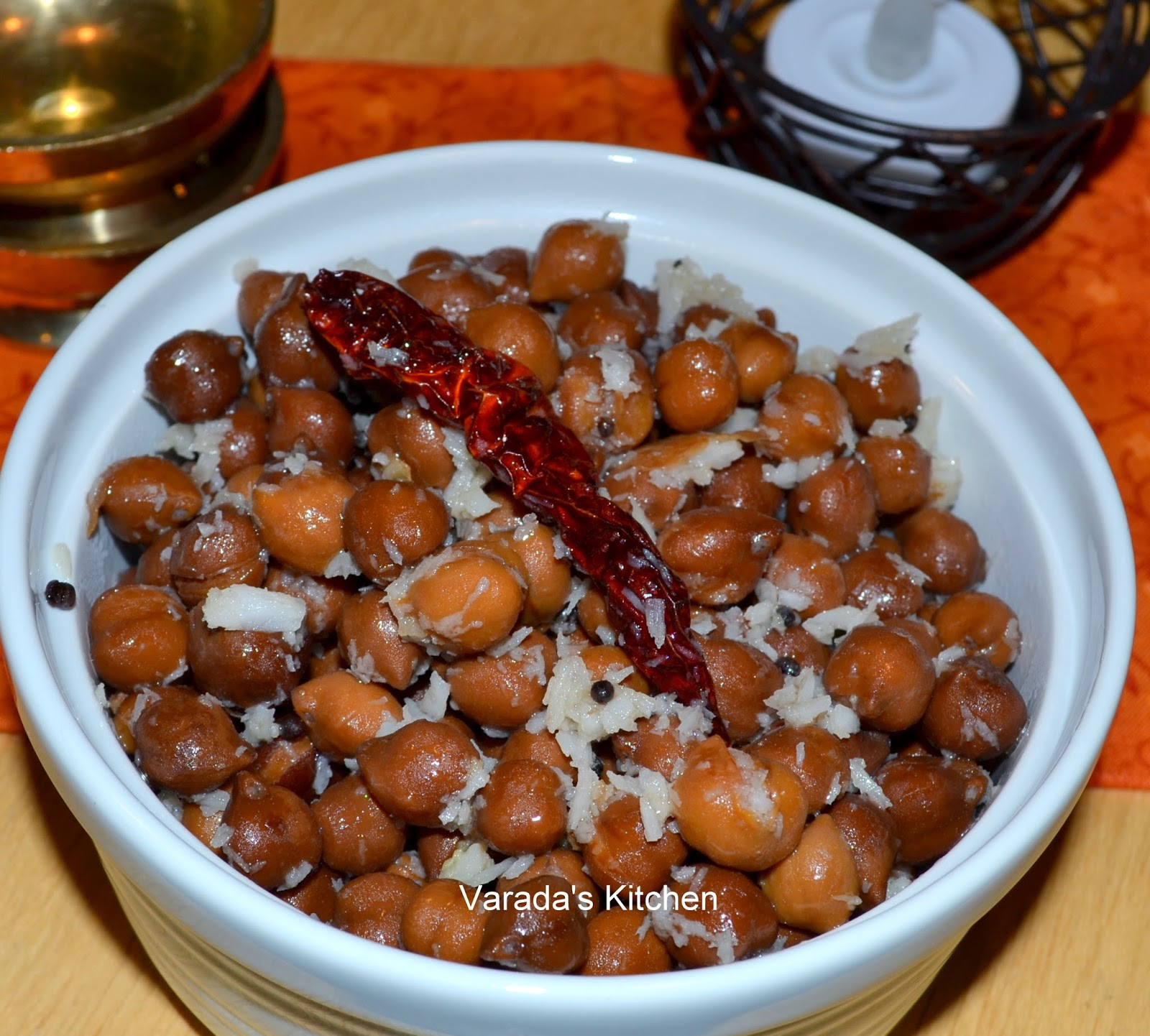 Varada's Kitchen: Sundal (Black Channa with Coconut)