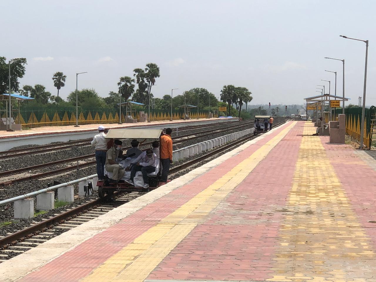 कमिश्नर ऑफ रेलवे सेफ्टी ने अलीराजपुर - खंडाला बड़ी लाइन का निरीक्षण किया