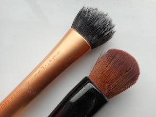 Beauty Blender vs Brushes