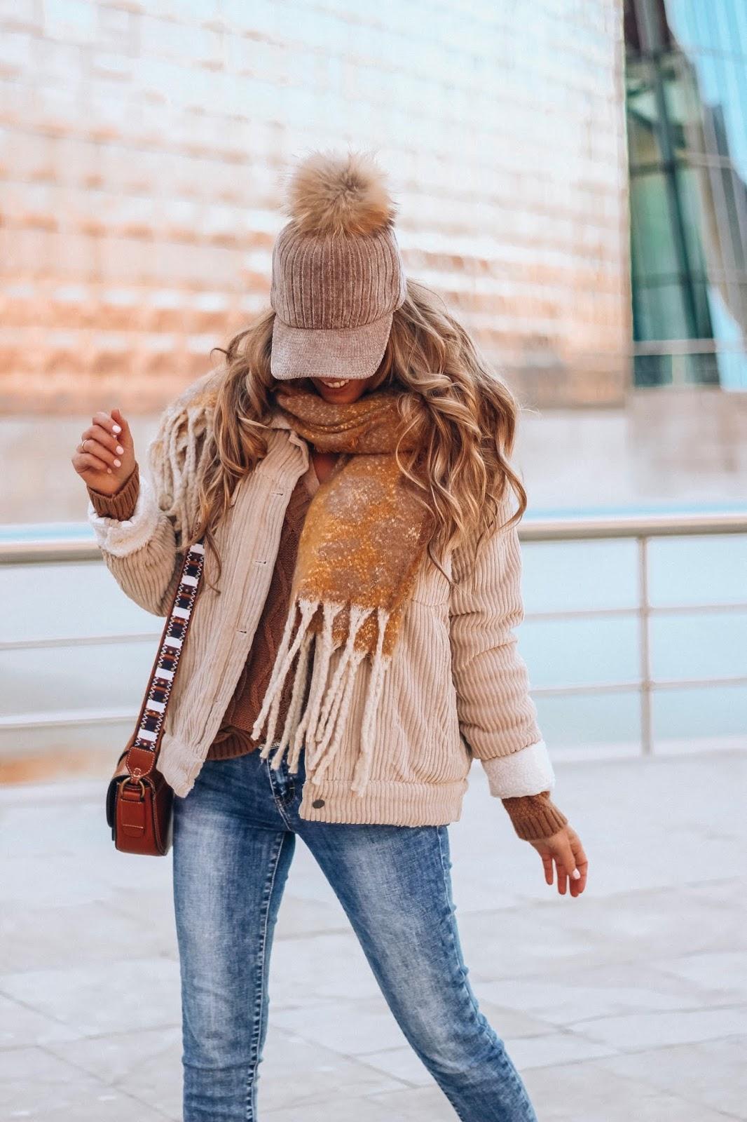 bufanda tonos mostaza
