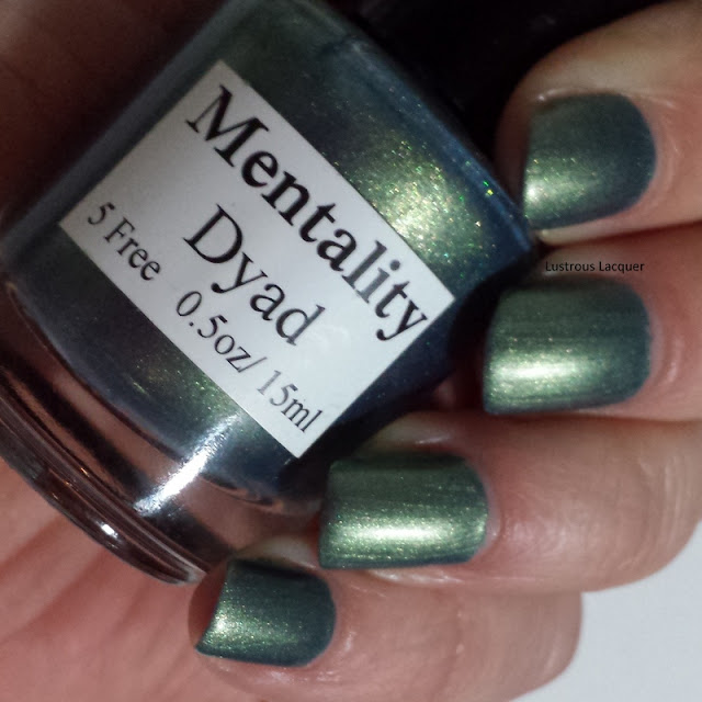 Dyad-nail-polish-no-top-coat-from-Mentality