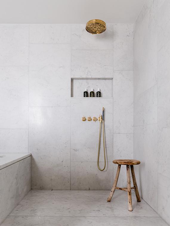 Marble bathroom via Ett Hem