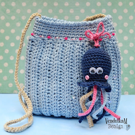 Magic with hook and needles: Make it blue - Free crochet pattern