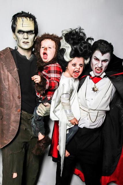 No Halloween de 2013 a família Harris-Burtka se fantasiou com o tema de monstros clássicos.