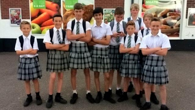 Estudiantes desafían a la escuela usando faldas