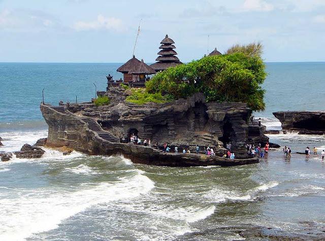 Tempat Wisata Tanah Lot di Bali, Keren!