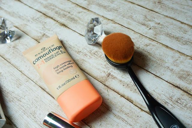 essence - camouflage 2in1 Make-up & Concealer in 10 ivory beige
