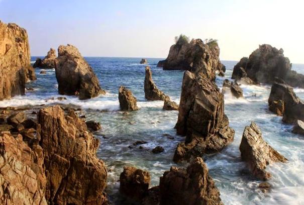 Tempat Wisata Pantai Gigi Hiu Lampung yang Sangat Menawan Hati