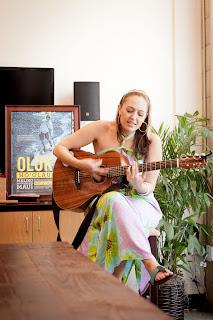 OluKai Hosts Private Performance by Hawaiian Musician Anuhea 3