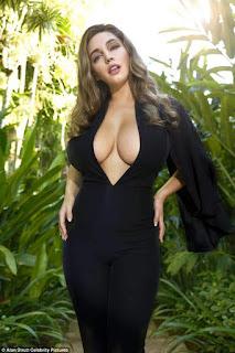 Model Kelly Brook