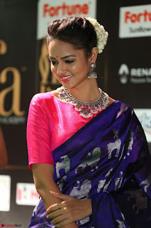 Shanvi Looks Super Cute in Pink Backless Choli Blue Saree at IIFA Utsavam Awards 2017 50.JPG