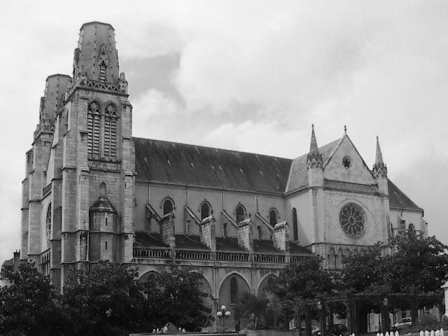 Imagen de la catedral de Pau (archivo del autor)