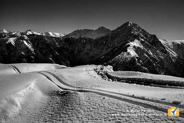 Dorsale del monte Gambarogno con il monte Tamaro sullo sfondo