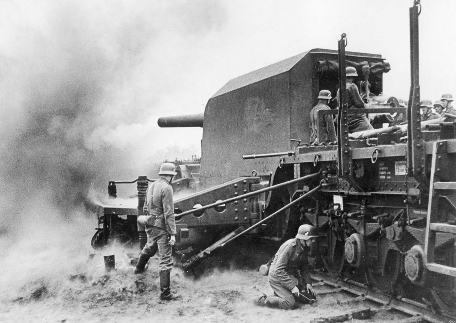 A German railway gun in action in France. 1940.