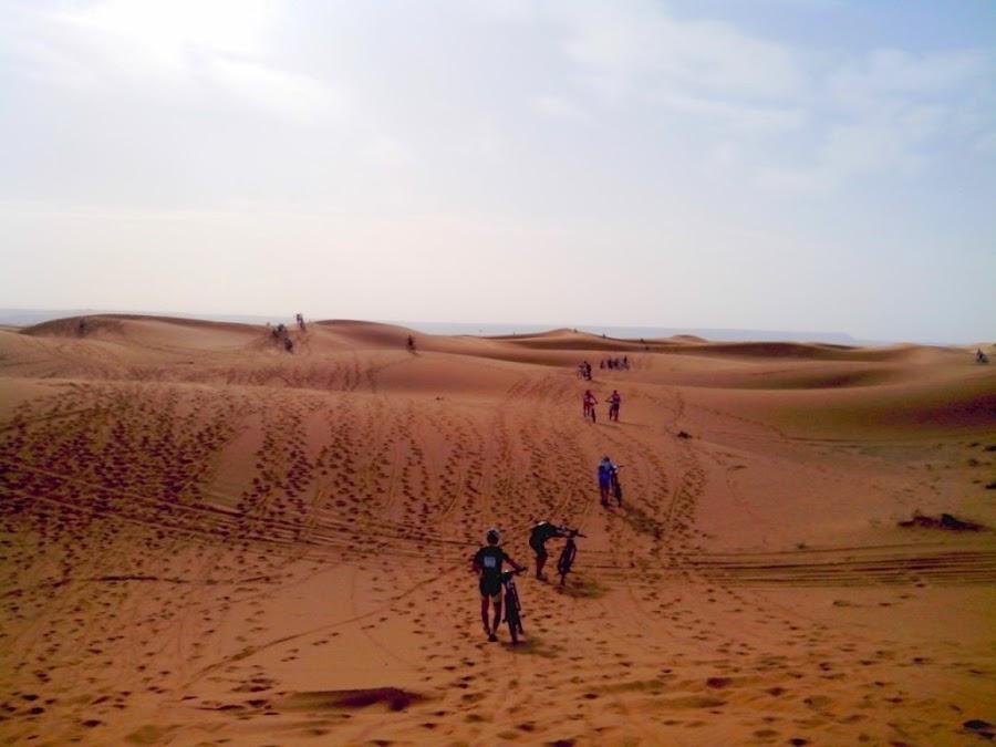 Titanes-durante-la-prueba-de-la-Titan-Desert-by-Garmin