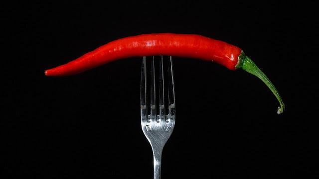 cabai ditusuk dengan garpu