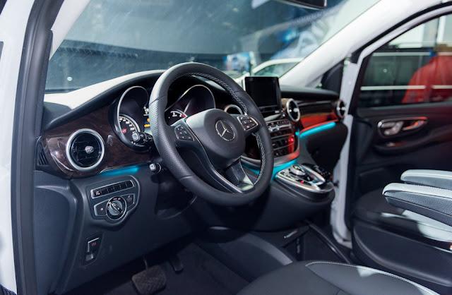 Mercedes V220 d AVANTGARDE được chế tác từ các vật liệu cao cấp