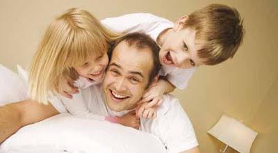 الحب الزائد يعيق نمو الطفل