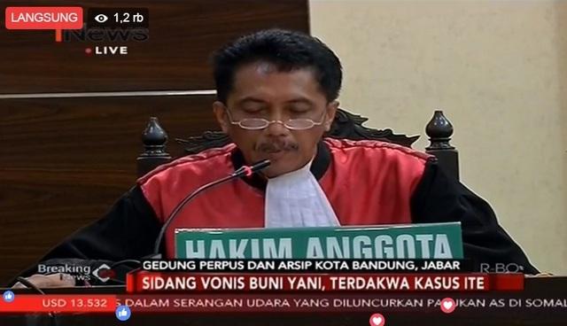 Kuasa Hukum Langsung Ajukan Banding Saat Hakim Vonis Buni Yani 1,5 Tahun!