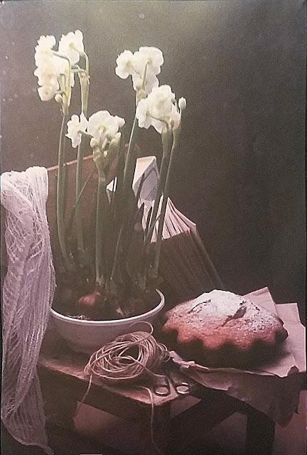 """межрегиональная выставка фотонатюрморта """"Весь мир - театр. Внимание на экспериментальную сцену!"""":  Лилия Родионова - Аромат весны..."""