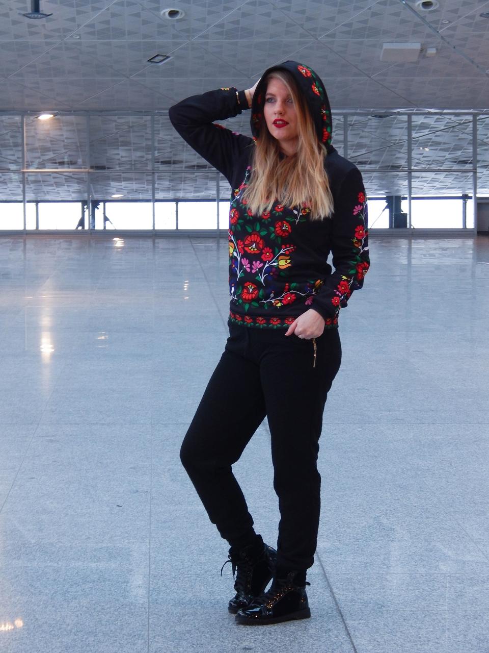 f7-2 folk by koko recenzja opinie ubrania folkowe łowickie motywy bluza góralska sukienka kodra łowicka folkowe ubrania moda ludowa pomysł na prezent fashion blog melodylaniella łódź dworzec łódź fabryczna
