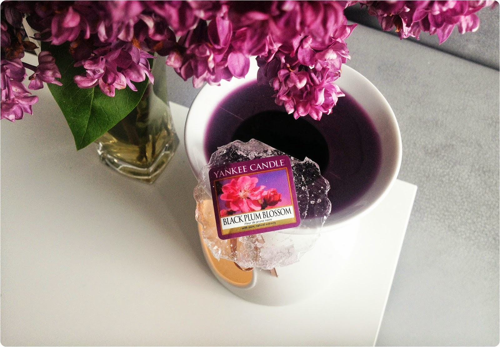 Yankee Candle - Black  Plum Blossom