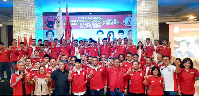 Mochamad Nur Arifin Di Lantik Sebagai Ketua Taruna Merah Putih Provinsi Jawa Timur