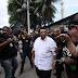 Agnaldo Timóteo é hostilizado ao visitar presidente do PR na prisão