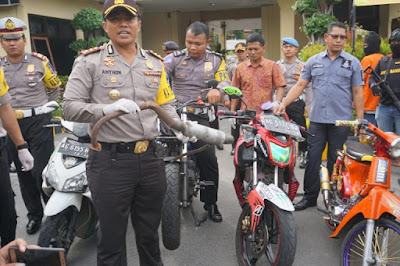 Polres Kediri Sita 44 Sepeda Motor Knalpot Bronk