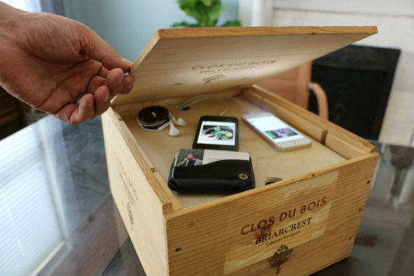 Over On Ehow Father S Day Wine Crate Charging Station