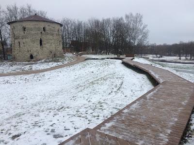 Крепостная стена Окольного города