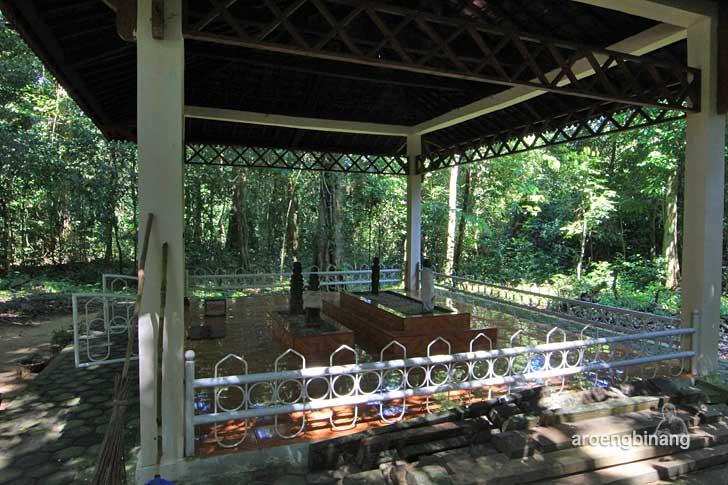 makam raja balok belitung timur