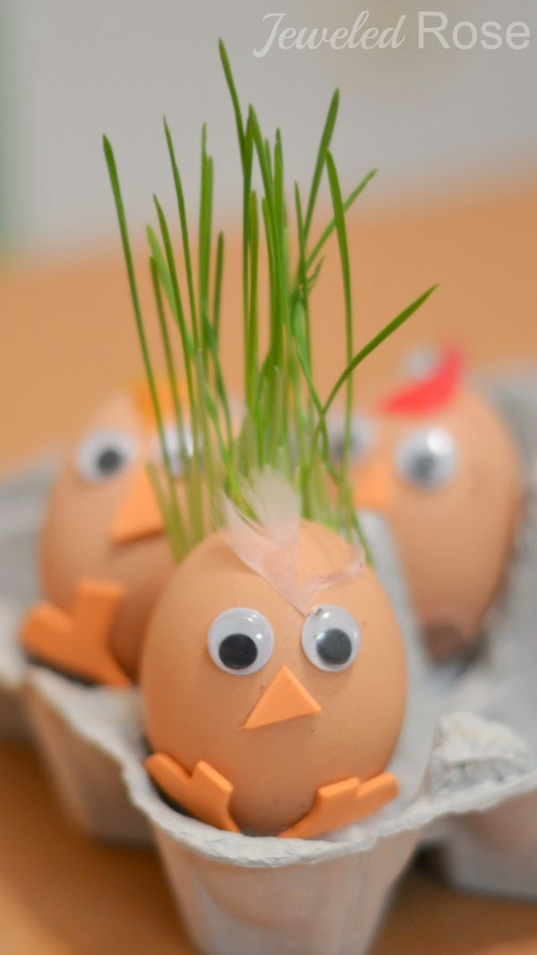 Turkey planter craft for kids- they will LOVE watching the feathers grow!