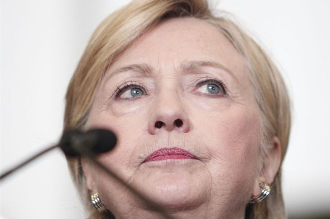 US election: Hillary Clinton releases her tax returns
