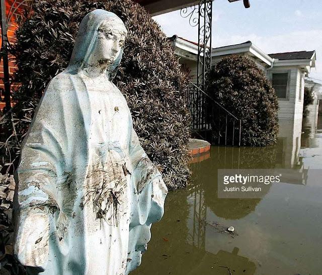 Nossa Senhora das Graças não foi levada pelas águas que destruíram Nova Orleans.
