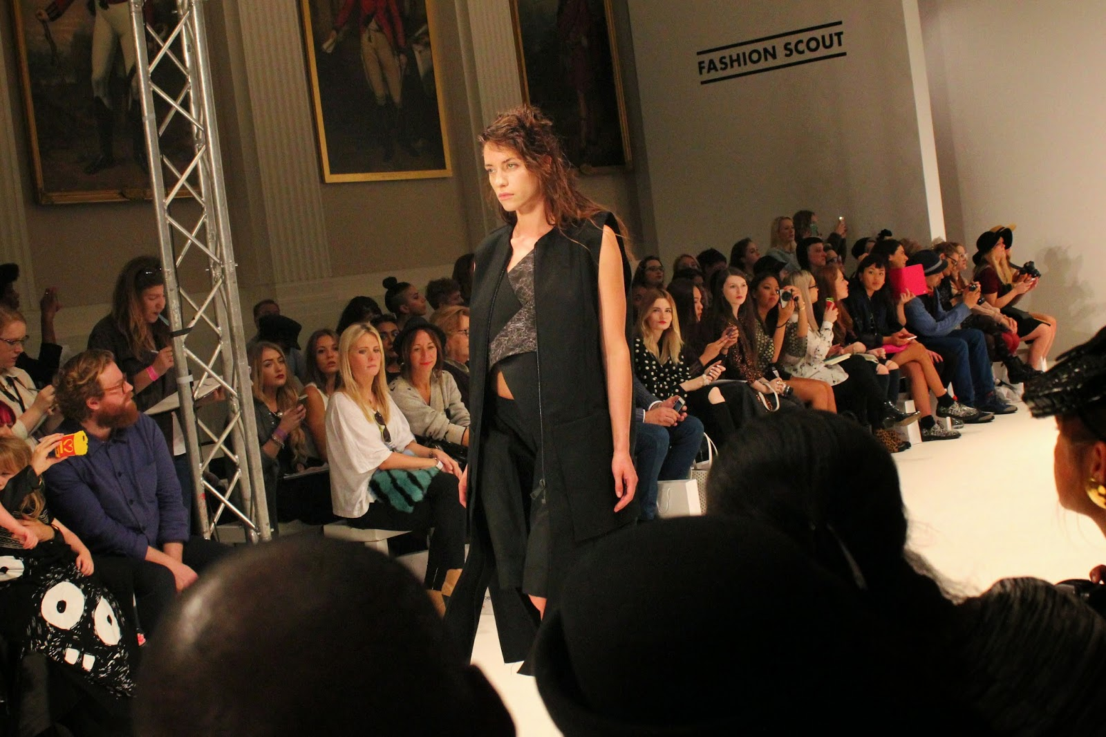 london-fashion-week-2014-lfw-spring-summer-2015-blogger-fashion-Dioralop-catwalk-models-freemasons hall-fashion-scout-dress