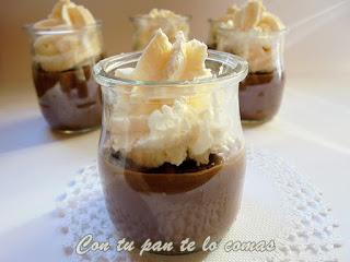 Vasitos de chocolate y nata en microondas